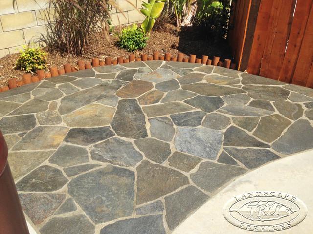 Flagstone Patio in the backyard - Tropical - Patio ... on Flagstone Backyard Patio id=21150