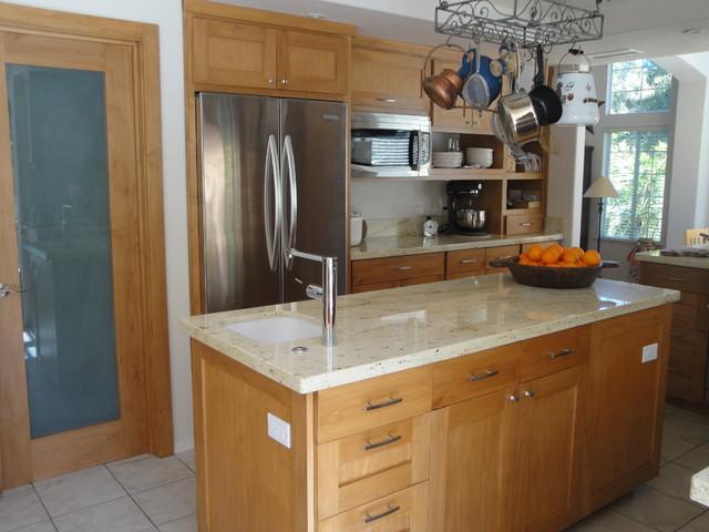 Mimi Kitchen Traditional