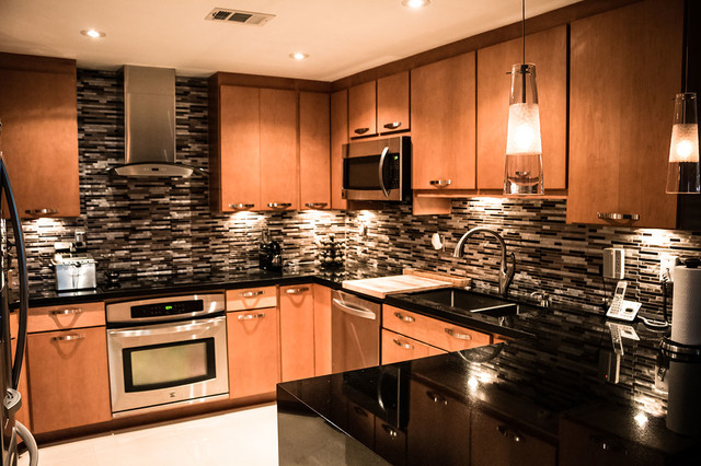 Maple kitchen cabinets with black absolute granite countertops on Kitchen Countertops With Maple Cabinets  id=56054