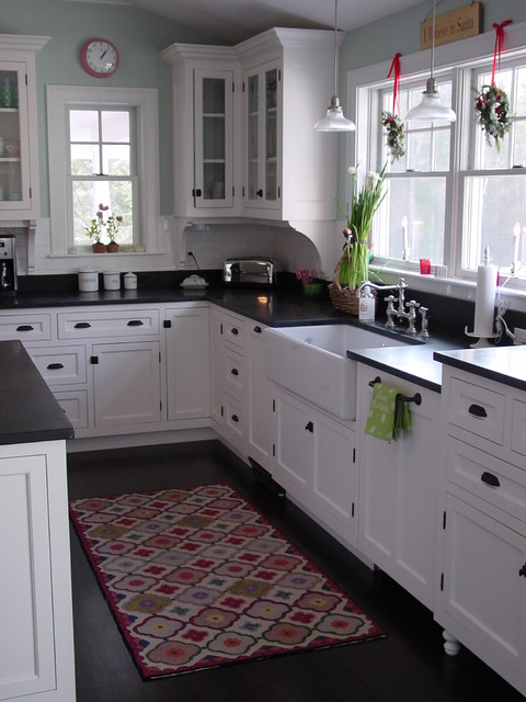 Cape Elizabeth Kitchen traditional-kitchen