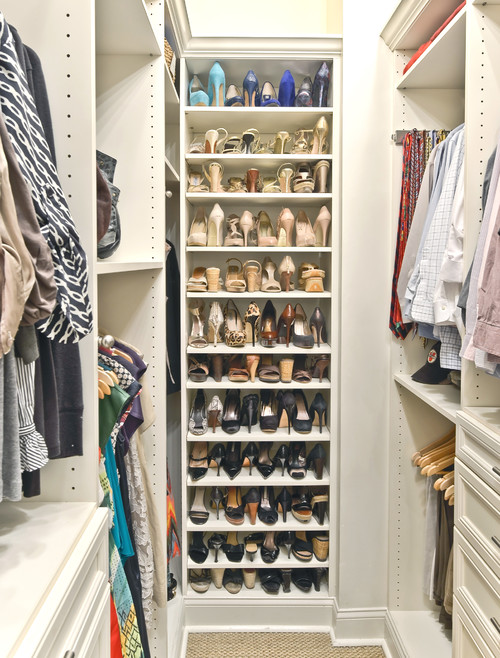 Organizing shoes in a closet