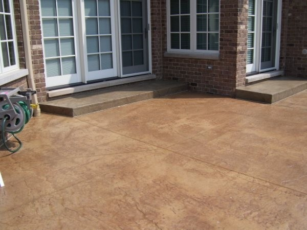 Ecocrete 39 S Oxi Colors Stains Are Displayed In Carmel Tan And Coffee Bean This Outdoor Pool Deck Project Photos Courtesy Of Decorative Finishes