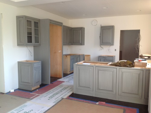 Wall colors that go with grey cabinets - Suggested paint colors for kitchen ...