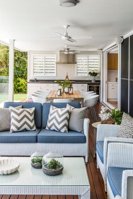 Woolloowin Residence classique-terrasse-en-bois