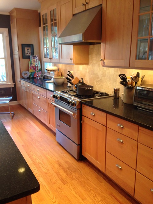 Painting kitchen cabinets? on Best Countertops For Maple Cabinets  id=45997