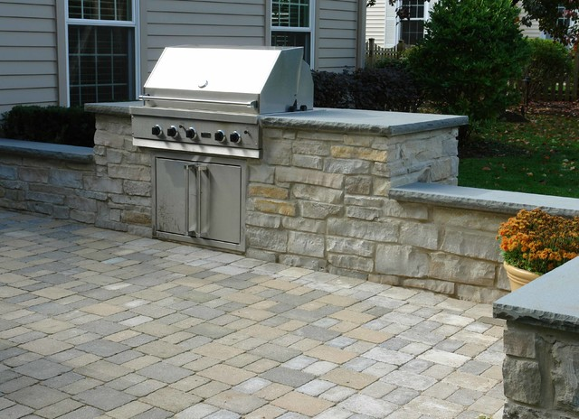 Outdoor Patio, Built-In-Grill, Seatwalls, & Water Feature ... on Built In Grill Backyard id=30475