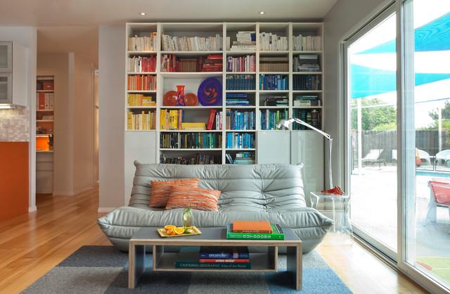 Colorful Mid Century Modern Residence Midcentury