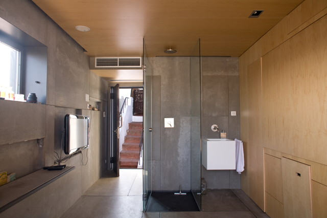 Barcelona House contemporary-bathroom