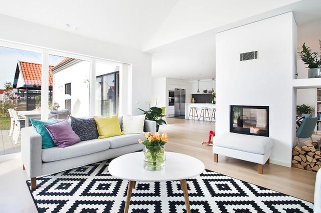 Alcuni momenti conviviali si svolgono in soggiorno e non richiedono l'uso della cucina. La Zona Giorno Open Space Moda Superata O Ancora Di Tendenza