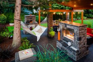 Washington Property contemporary-patio