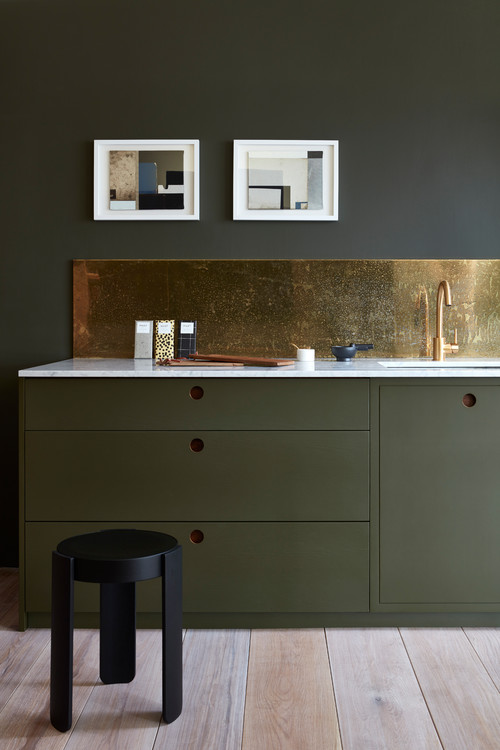 Dark Kitchen Cabinets Embrace Metallic Shades like No Other