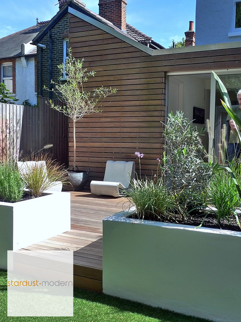 Contemporary Modern Landscape Design Ideas for Small Urban ... on Modern Backyard Patio Ideas  id=34426