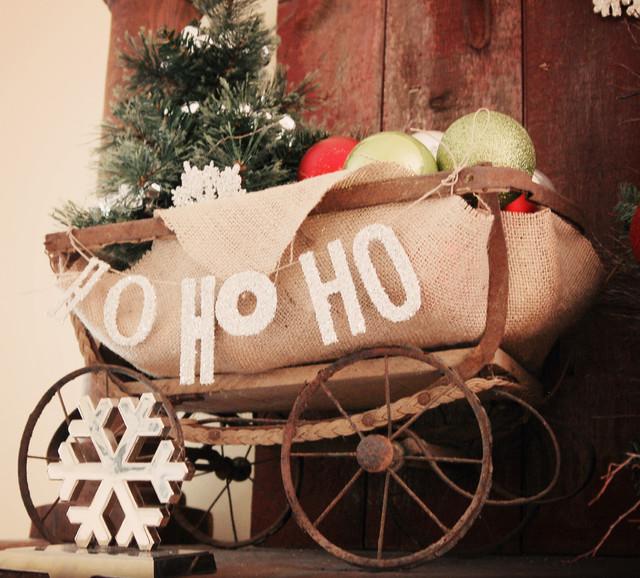 2010 Christmas Decor rustic-family-room