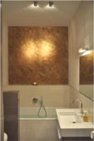 Bad, Badezimmer mit Gold über der Badewanne   Modern ...