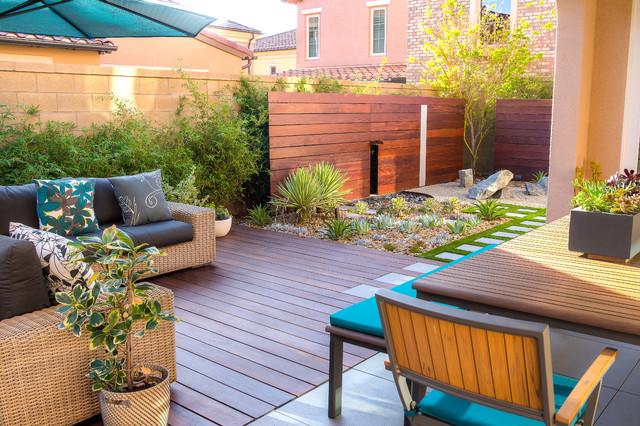Beautiful Small Space Backyard Design - Contemporary ... on Small Backyard Layout id=19585