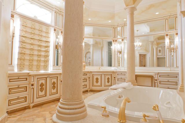 Fancy White/Gilded Bathroom
