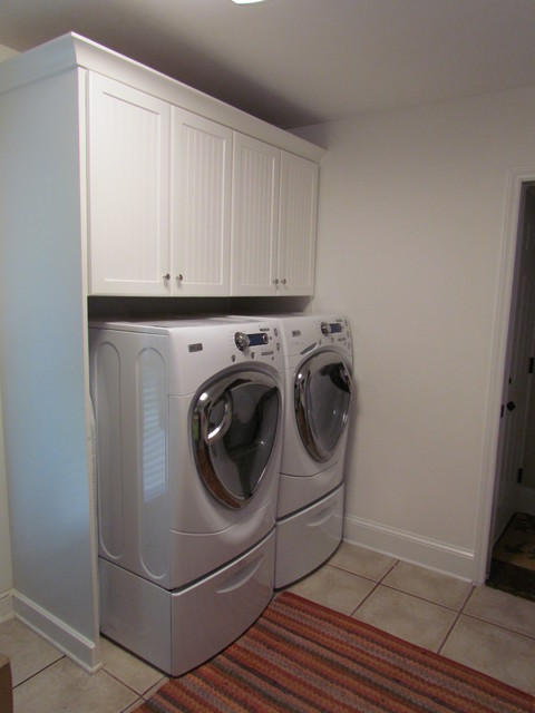 lowes white laundry cabinets tyres2c on lowe s laundry room storage cabinets id=46016