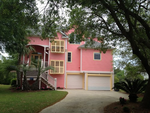 Exterior Paint Color With Green Roof And Candyland Nieghbor