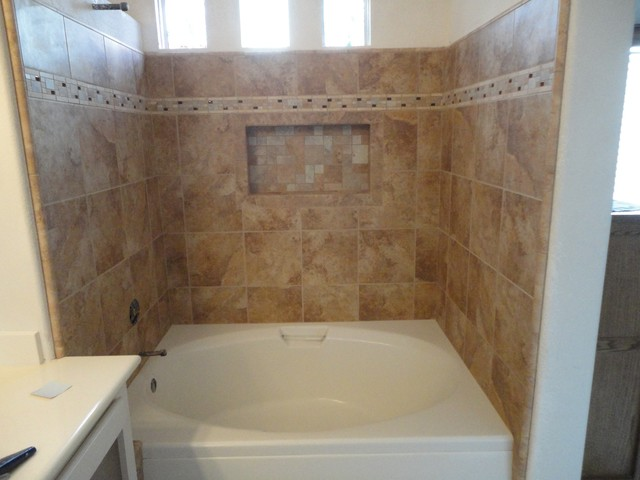 Irvine Soaking Tub With Rain Glass Shower Doors Amp Recessed