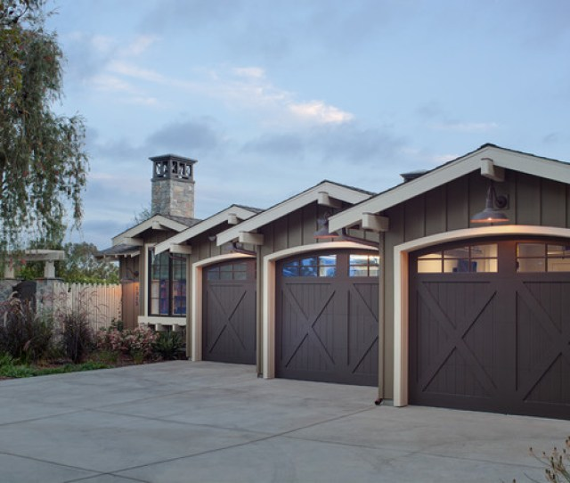 Coastal Ranch Farmhouse Garage