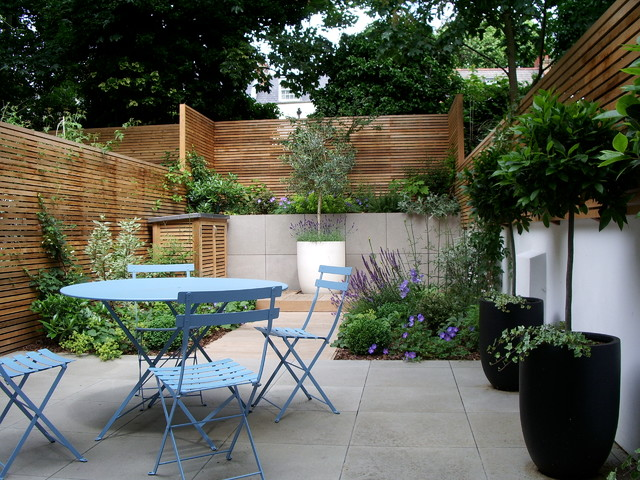 Courtyard garden design in Barnsbury, London ... on Courtyard Patio Ideas id=93965