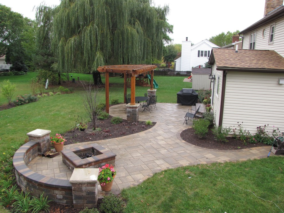 Naperville, IL - Brussel, and Beacon Hill flagstone pavers ... on D&M Outdoor Living Spaces id=85642