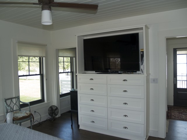 master bedroom tv/storage