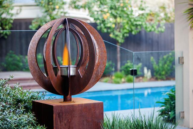 Backyard Garden Sculptures (metal art) - Modern - Pool ... on Backyard Metal Art id=29802