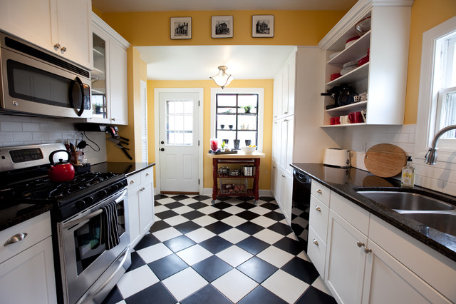 13 choices for checkered floors