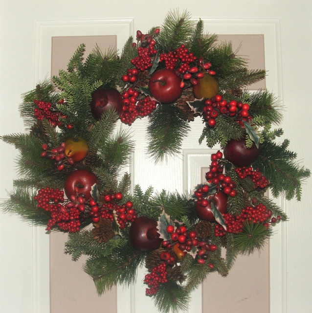 Traditional Christmas Wreath Laundry Room Dc Metro