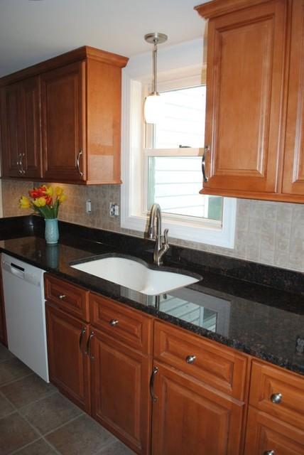 Maple Cabinets, Tan Brown Granite, Tile Backsplash, Vinyl ... on Backsplash With Maple Cabinets  id=84531