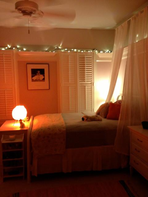 Teenage Girl S Late 60 S Vintage Bedroom Traditional