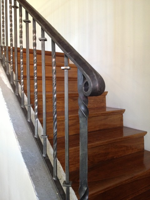 Railings Traditional Staircase Phoenix By Grizzly