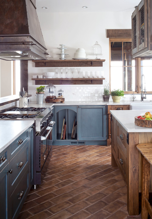 """""""Unfitted"""" Rustic Farmhouse"""