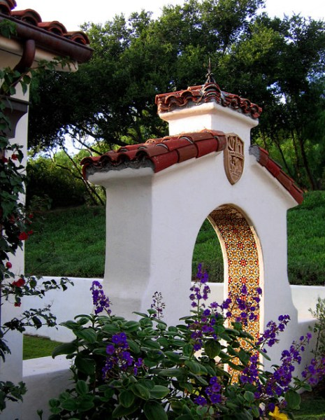 spanish style homes with garden Santa Barbara style Spanish home + Courtyard Gardens