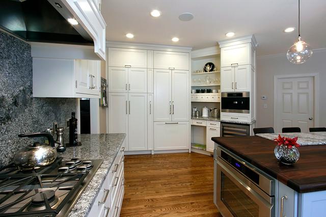 Southern Charm Transitional Kitchen