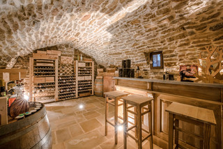 Maison Ancienne En Pierre Mditerranen Cave Vin