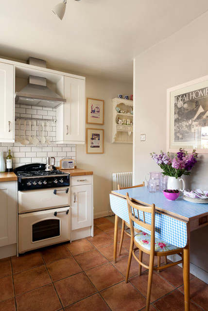 Victorian country cottage victorian-kitchen