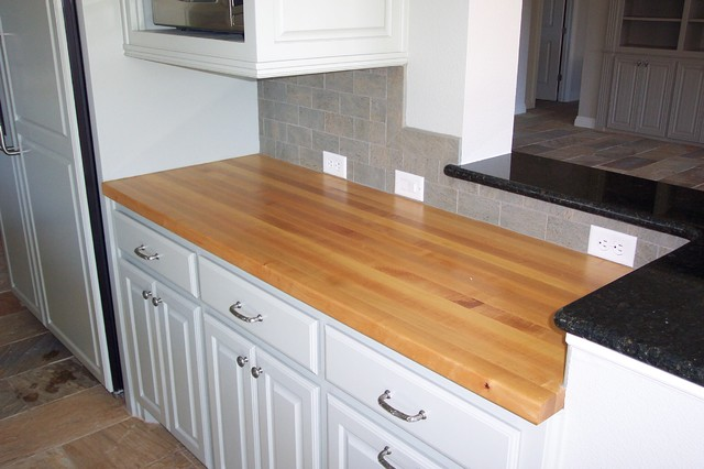 Maple Edge grain wood counter tops - Traditional - Kitchen ... on Maple Countertops id=96367