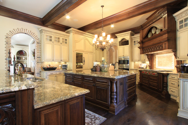 Luxury Custom Kitchen Design Traditional