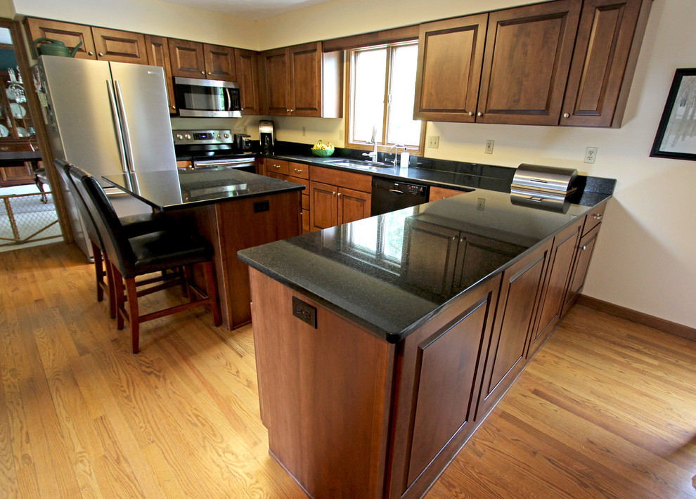 Maple Kitchen Cabinets with Black Pearl Granite ... on Maple Kitchen Cabinets With Black Granite Countertops  id=89871
