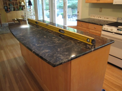 I have black granite countertops and natural maple ... on Maple Kitchen Cabinets With Dark Wood Floors Dark Countertops  id=76565