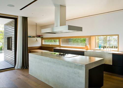 Feinbeton Wird In Dünner Schicht Auf Eine Lackierte MDF Platte  Aufgespachtelt. So Entstehen Ganze Küchenfronten Oder Sideboards Aus Beton.