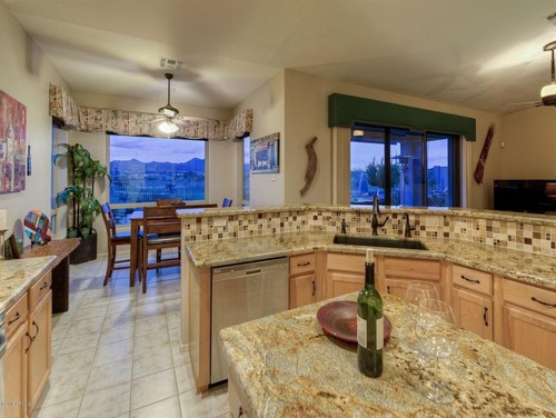 What flooring goes with maple cabinets & granite countertops? on What Color Granite Goes With Honey Maple Cabinets  id=59458