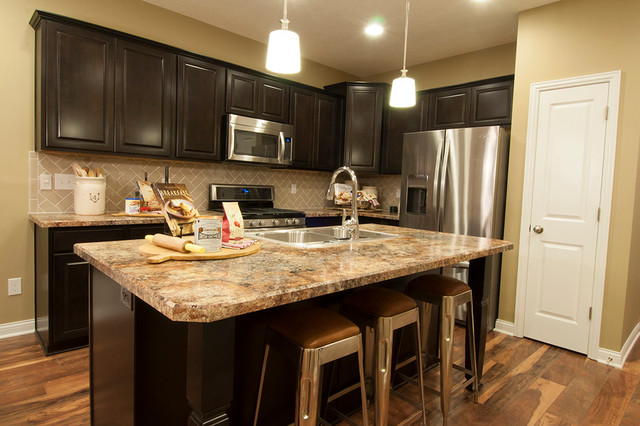 M/I Homes of Columbus: Waterford Park - Parkside Model ... on Model Kitchen  id=90986