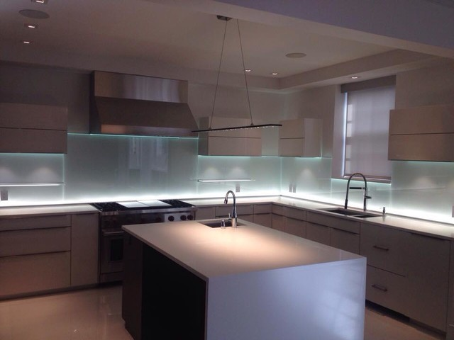 Glass Kitchen Backsplash WLED Lighting Modern Kitchen