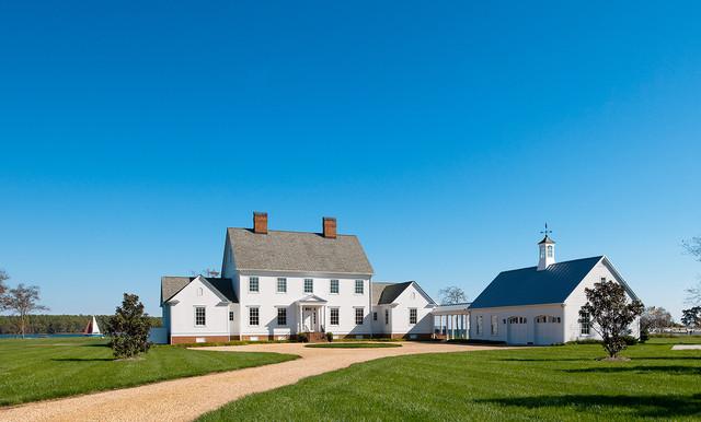 Farmhouse Circular Driveway