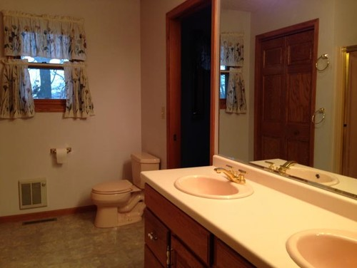 Help Peach Fixtures In New Master Bath Inexpensive Ideas