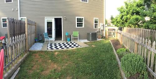 Small ordinary townhouse backyard - ideas?! on Townhouse Patio Ideas  id=55637
