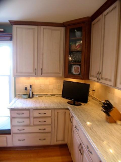 Cherry/Maple Cabinets, Ambroisa White Granite, Tile ... on Backsplash For Maple Cabinets  id=13469